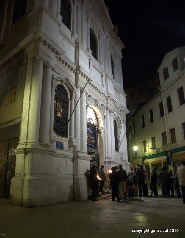 Venice - Waiting For The Concert (Scuela Grande San Teodoro)