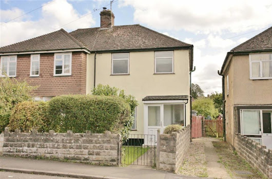 3 bedroom property for sale in Neithrop Avenue, Banbury - Offers in excess of £240,000