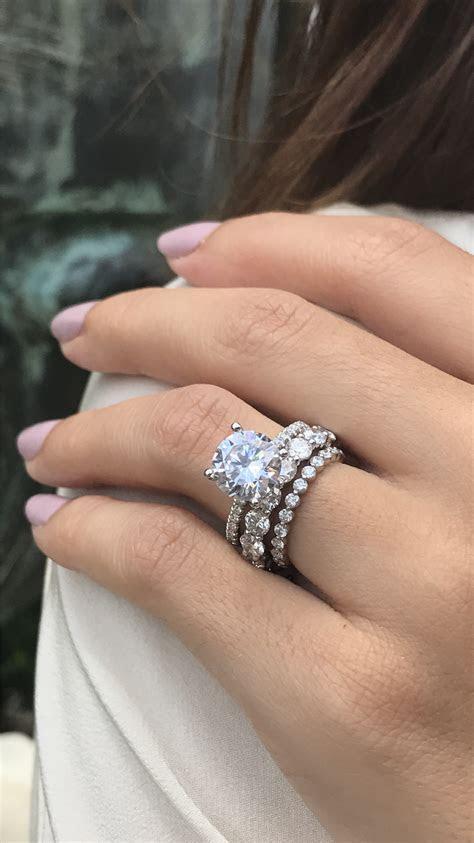 solitaire engagement ring, solitaire engagement ring round