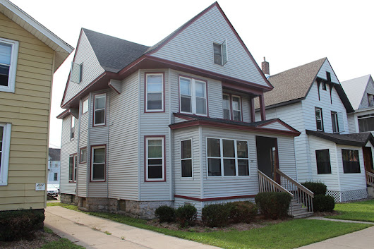 5 Bed Student Apartment - 207 West 6th St, Winona MN | BakerApts