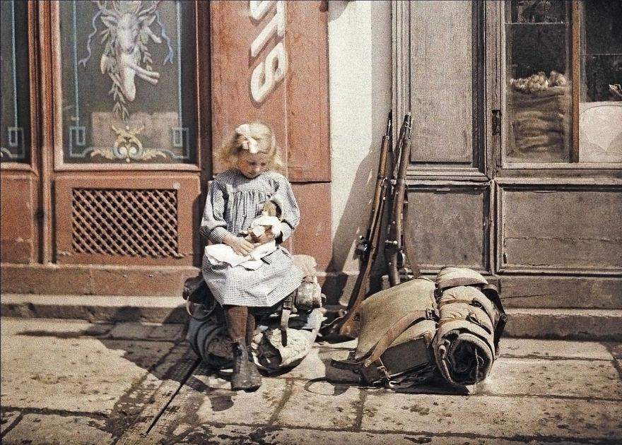 first color photos vintage old autochrome lumiere auguste louis 593e56e079d3d 880