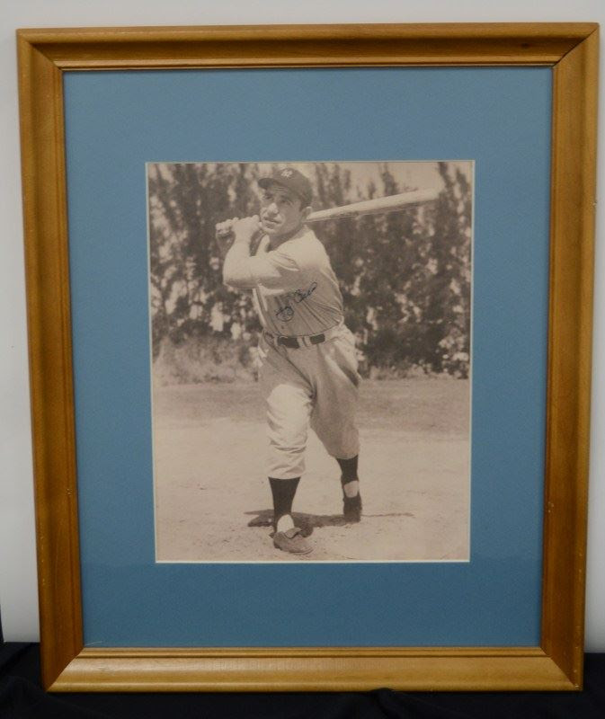 Yogi Berra Autographed 105 X 14 Photo In A 18x22 Frame