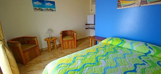 Hotel, Hosteria en Salinas Ecuador, Hospedaje, Bed and Breakfast. Wifi, piscina, garaje, area social, restaurante. Milina Beach