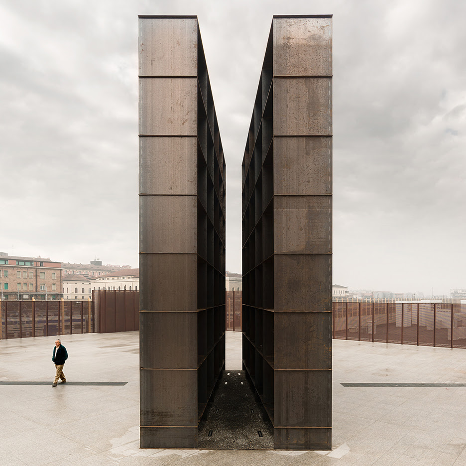 SET Architects installs towering steel Holocaust memorial in a Bologna square
