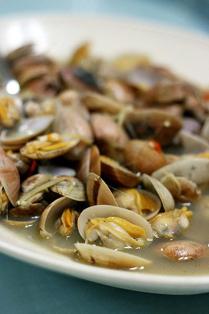 Clams in Special Sauce