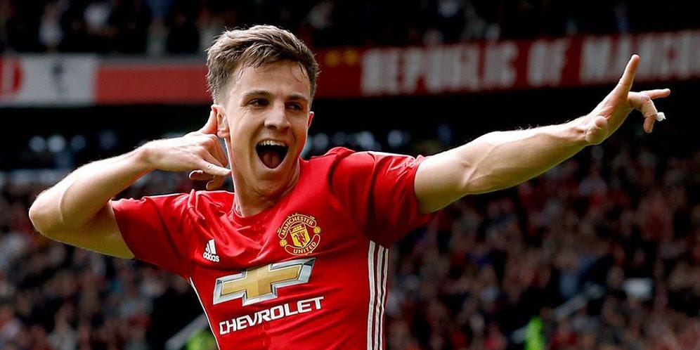 gol pun sanggup jadi sarana para pemain berekspresi dalam menyuarakan keberhasilan lewat sel Tersirat Makna dalam Selebrasi Gol Sepak Bola