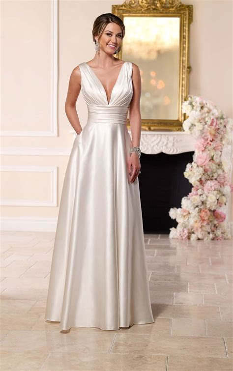 Best 25  Satin wedding gowns ideas on Pinterest   Wedding