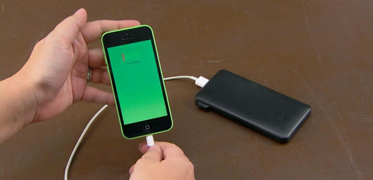 Experts' Tips for Purchasing the Best Backup Battery to Keep Your Devices Charged - ABC News