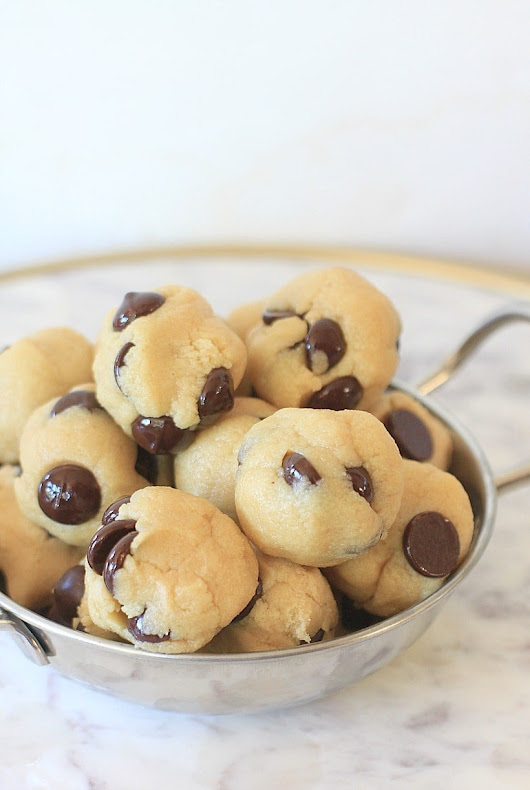 Quick and Easy Chocolate Chip No Bake Energy Bites