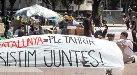Los activistas permanecerán en la plaza hasta el día de las elecciones. | Efe