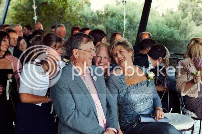 http://i892.photobucket.com/albums/ac125/lovemademedoit/PARRY_Ceremony_210.jpg?t=1319741497