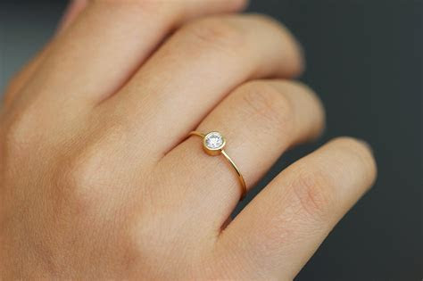 Simple Engagement Ring   Round Diamond   0.2 Carat ? ARTEMER