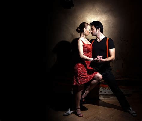 Dance Studio: Ballroom   Latin   Salsa   Dance Classes