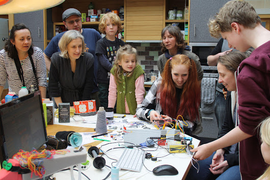 A tanglebots workshop report | dave's blog of art and programming