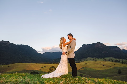 Holly & Martin - Lost World Valley Wedding