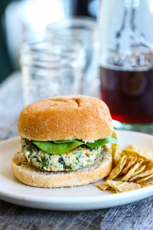 Spinach Goat Cheese Turkey Burgers {with a kick!} - Eat, Live, Run