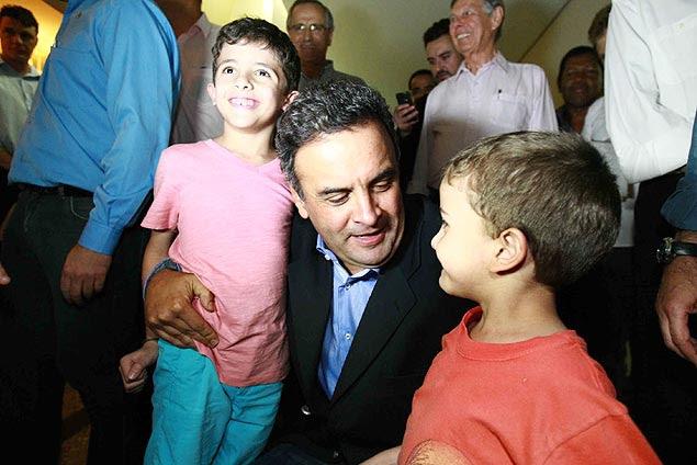 Senador Aécio Neves (PSDB-MG) visita Ribeirão Preto e se reúne com lideranças políticas, como o deputado federal e presidente do partido em SP, Duarte Nogueira