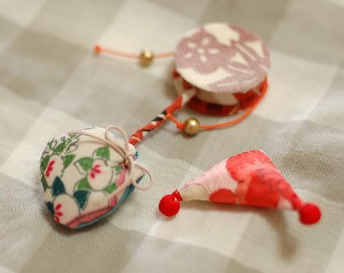 Den-den daiko, triangle and drawstring bag