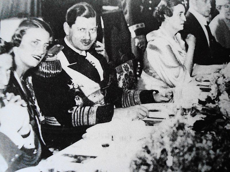Archivo:Karol II rumuński.JPG