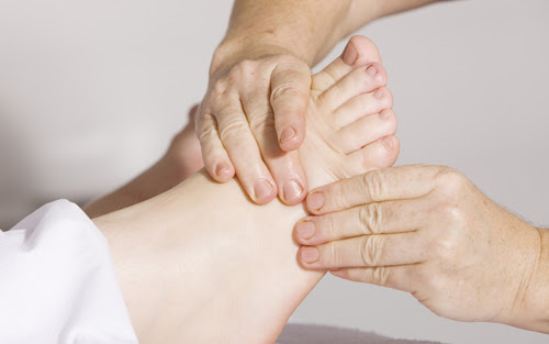 7 Benefits of A Reflexology Foot Massage