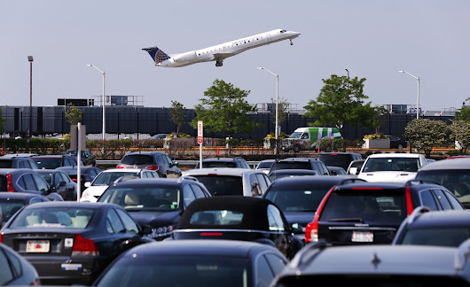 Reserved parking goes on sale at O'Hare, Midway airports