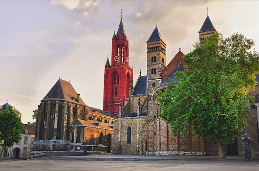 Ultimate Guide for a Weekend in Maastricht - Maps 'N Bags