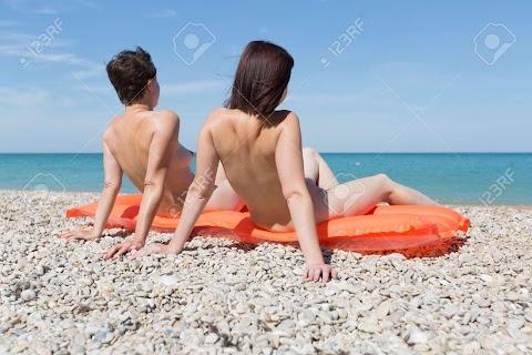 Naked Women Sunbathing Hot Photos/Pics   #1 (18+) Galleries