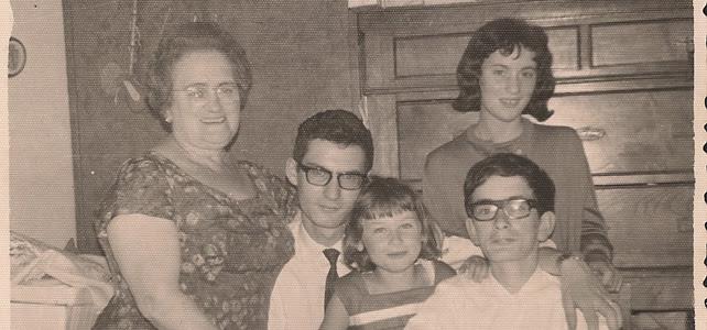 Foto familiar del 15 de agosto de 1965.-
