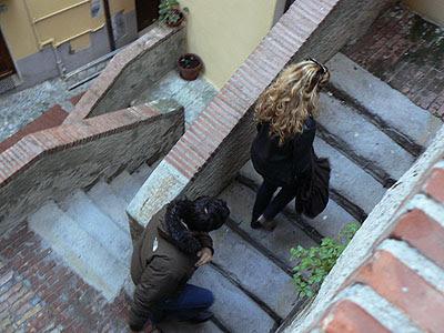 dans les escaliers de vintimille.jpg