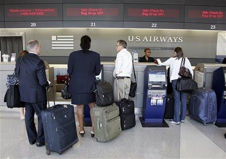 maleta orinada por delta airlines