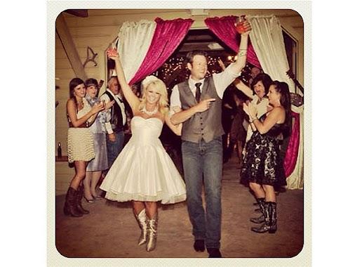 +Blake Shelton+ +mirandalambertVEVO= True Love. #throwbackthursdays  #Love  #CountryMusic  #Weddings...