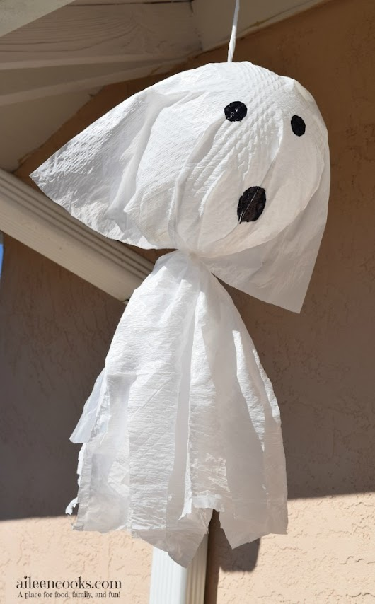 Not So Scary Garbage Bag Ghosts - Aileen Cooks