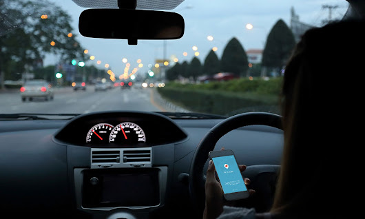 Social Media on the Go & The Driving Temptation; is it really worth it? | Motoring Law