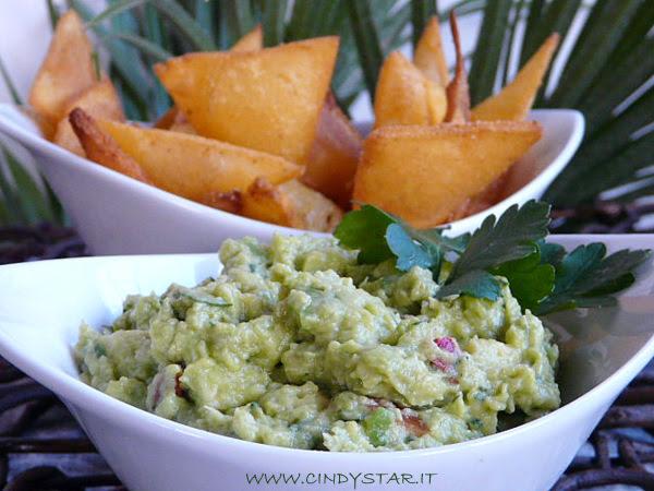 guacamole-tortilla chips