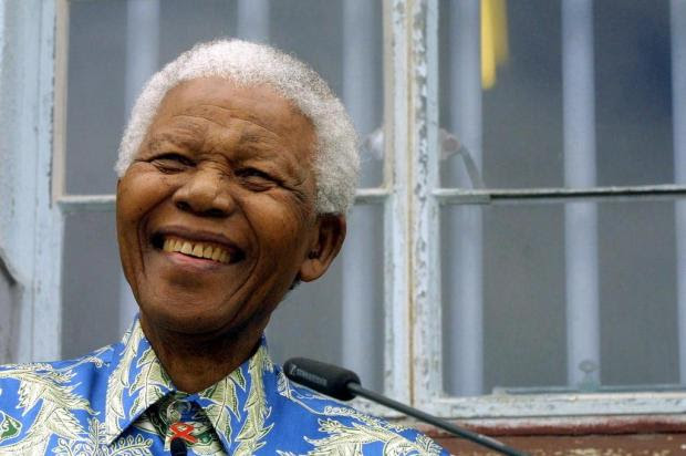 Morre o ex-presidente da África do Sul, Nelson Mandela ANNA ZIEMINSKI/AFP
