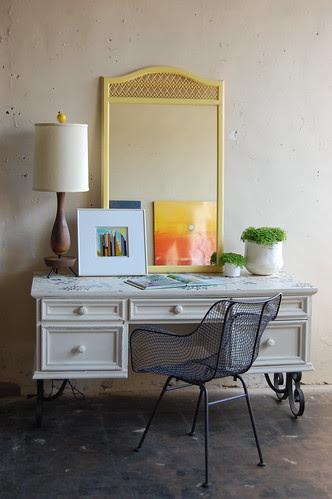 full desk shot by knack studios.