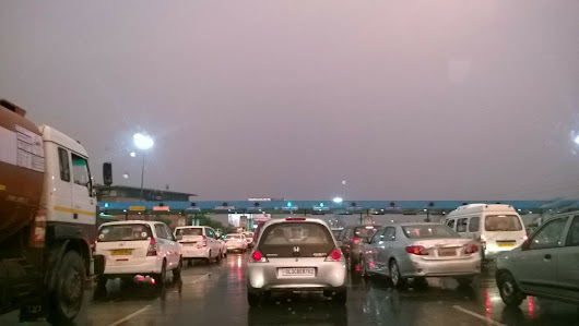 Light Rains Dip Mercury in Noida - Winter is Here! - Noida Diary - Rediscover Noida With Us!