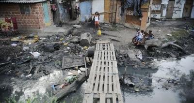 Brasil tem 24,8 milhões de brasileiros vivendo em condições de pobreza extrema