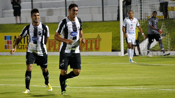 ABC goleia Corintians-RN por 4 a 1 no Frasqueirão, em Natal (Foto: Frankie Marcone)