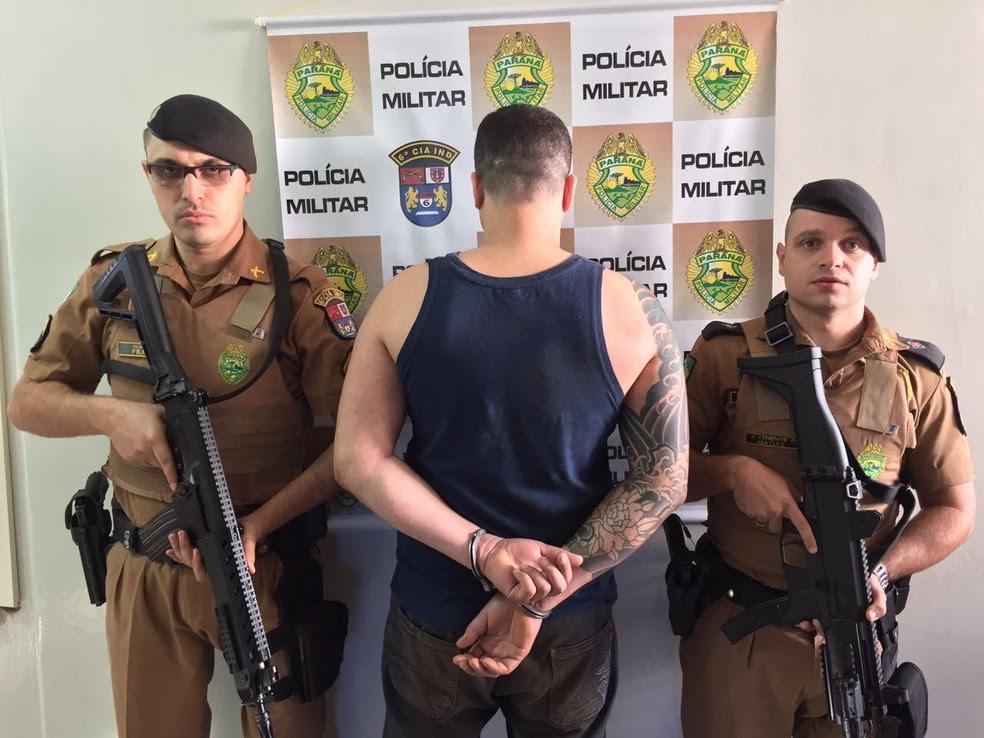 Condenado por roubo a banco foi preso em Borrazópolis (Foto: Polícia Militar/Divulgação)