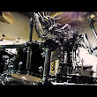 Robot Band Compressorhead Covers Blitzkrieg Bop by the Ramones