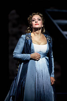 Hasmik Papian as Norma, Washington National Opera, October 2003