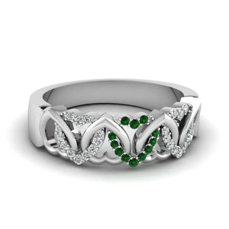 Interweaved Heart Design Diamond Wedding Band With Emerald