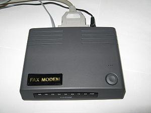 External 33.6kbit/sec serial port dial-up mode...