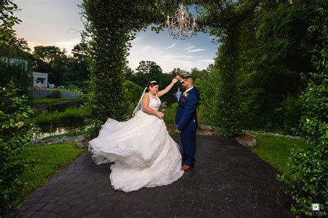 Vizcaya Villa Wedding   Fayetteville NC Weddings