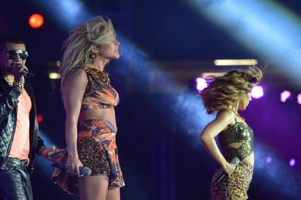 Naldo e Wanessa no show para gravação do DVD de Claudia Leitte, na Arena Pernambuco, em Recife (Foto: AgNews)