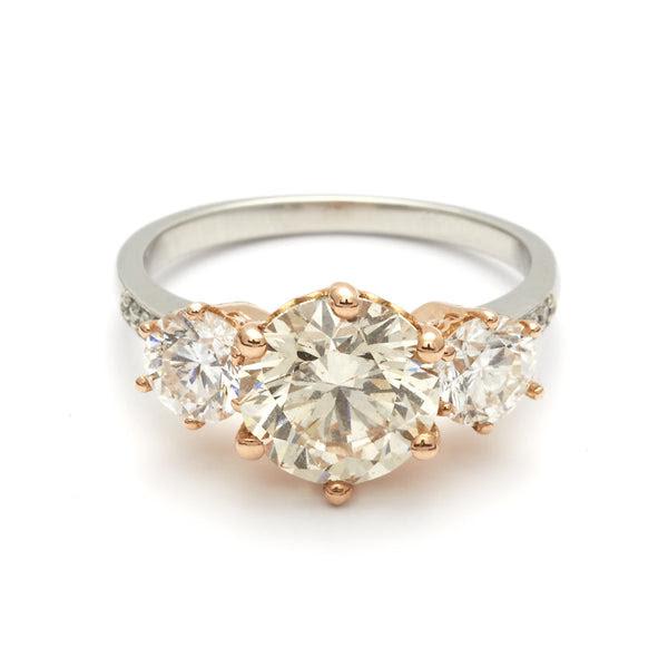 Resultado de imagen para three stones engagement rings