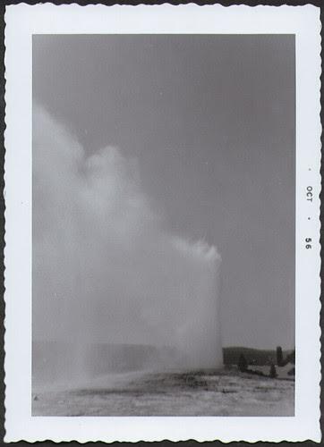 Yellowstone1956_OldFaithful1