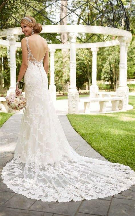 Best 25  Wedding dress bustle ideas on Pinterest   vestido