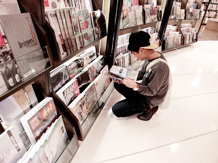 randy at bookstore